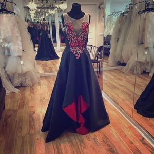 Dresses & Skirts - High low formal gown